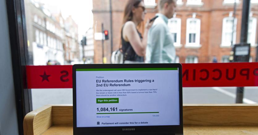 Brexit, la petizione per chiedere nuovo referendum supera 1 milione di firme