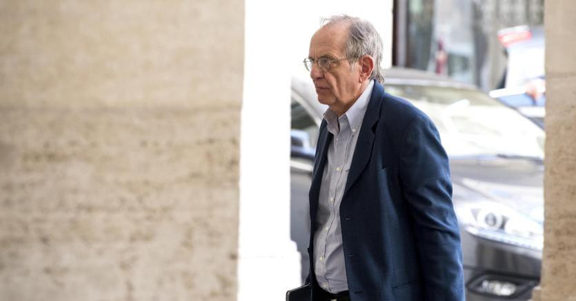 Banche Padoan: i risparmiatori saranno salvaguardati dal governo italiano