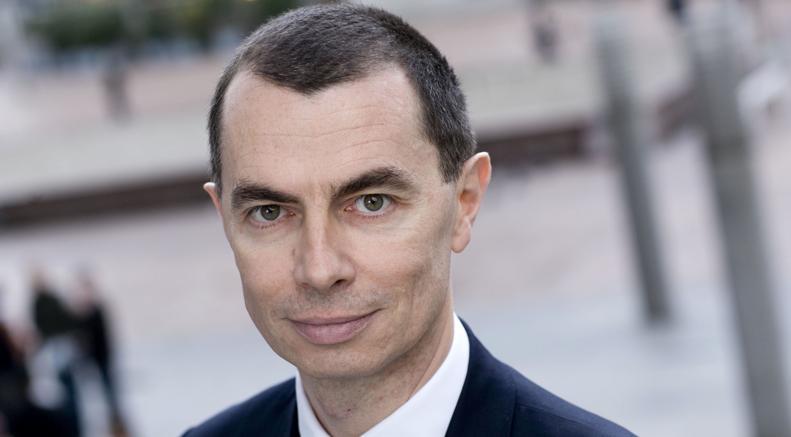 Azioni Unicredit volano dopo cessione quota Fineco. Mustier rassicura su Pioneer