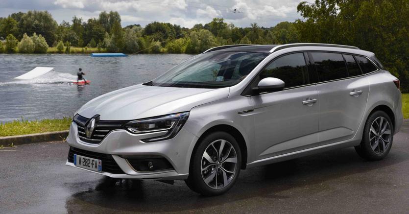 Nuova Renault Megane Sedan, ecco la berlina quattro porte