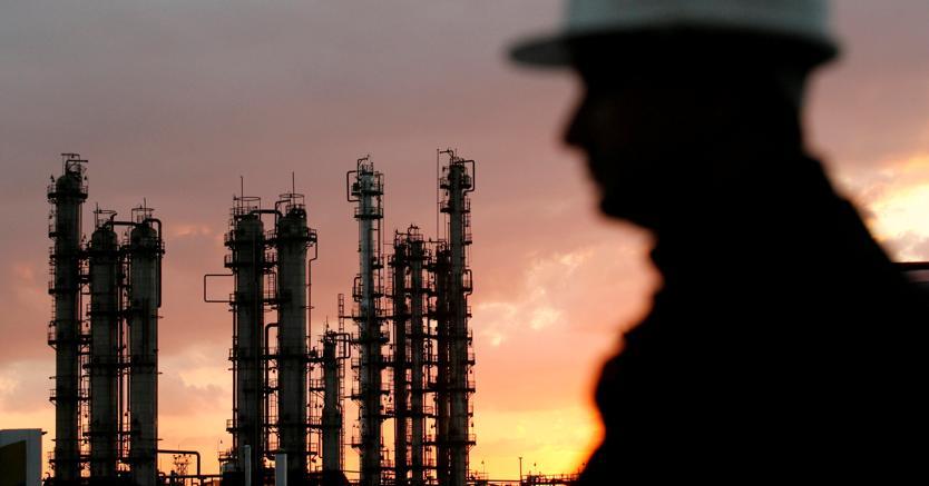 Petrolio: Wti ritraccia in attesa dell'aggiornamento sugli stock Usa