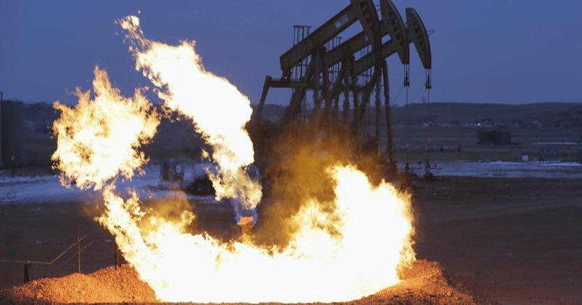Petrolio: scorte settimanali Usa calano meno del previsto