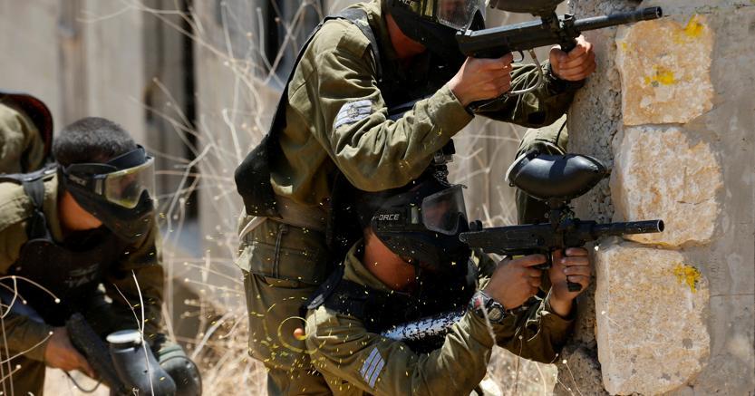 Un'esercitazione di soldati israeliani (Reuters)