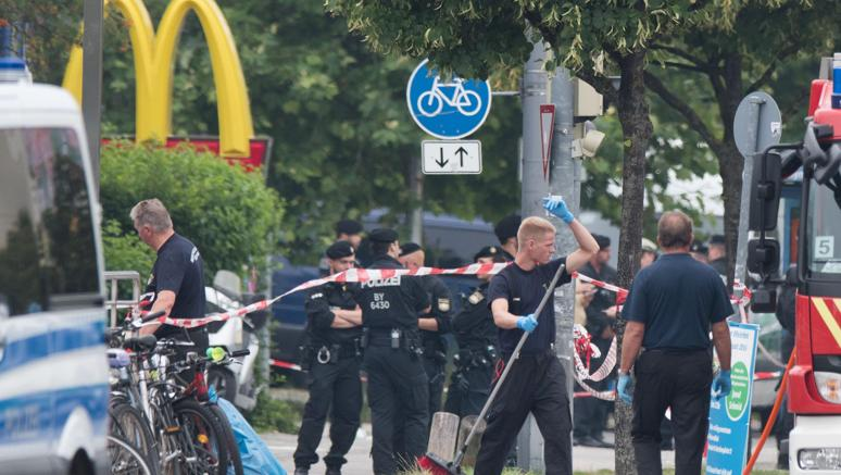 Strage di Monaco: arrestato complice del killer, ha 16 anni COMMENTA