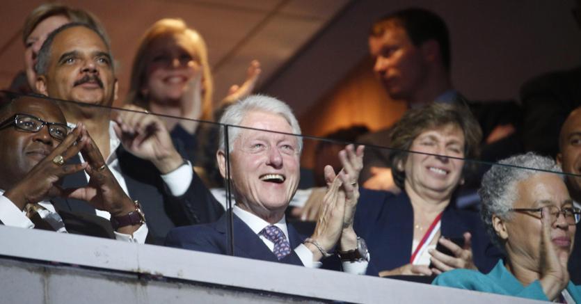 Blill Clinton alla Convention democratica di Filadelfia (Epa)