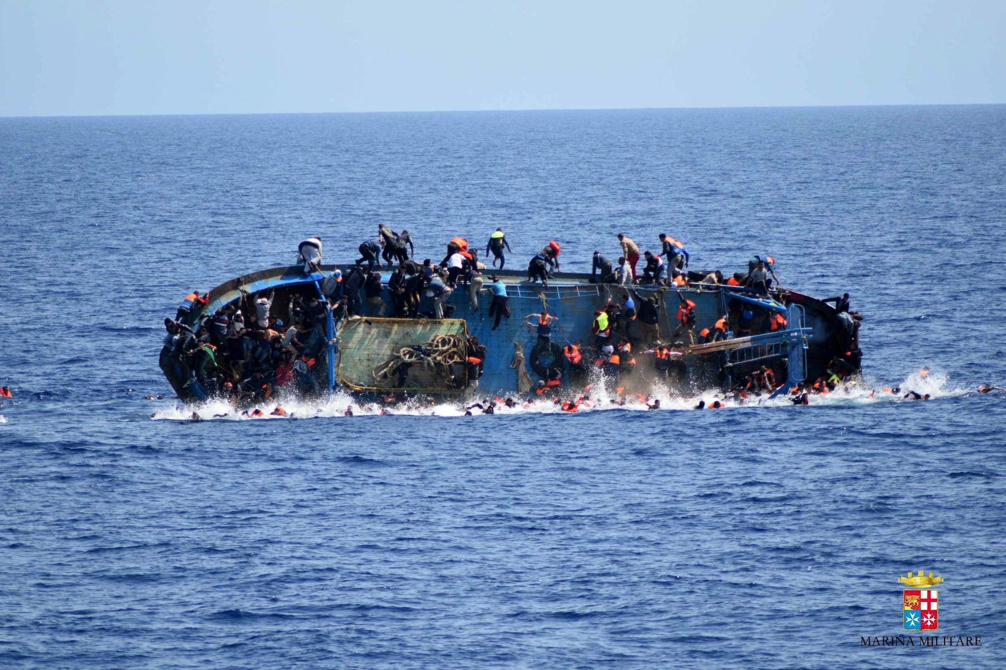 Naufragio al largo delle coste libiche