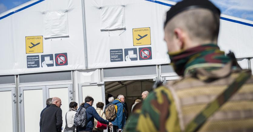 Belgio: allarme bomba su due aerei, atterrati a Bruxelles