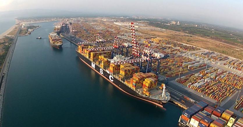 Accordo per i 400 portuali di MedCenter di Gioia Tauro - Il Sole 24 ...