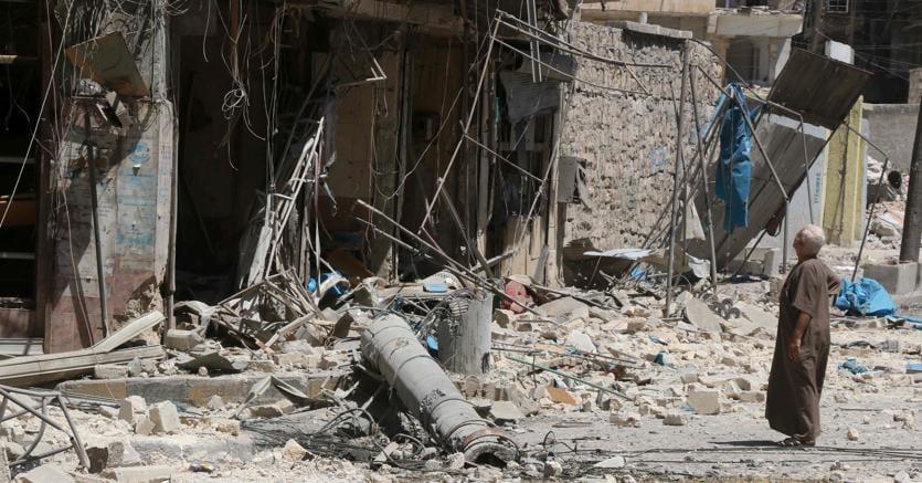 Guerra in Siria: bambino salvato dalle macerie