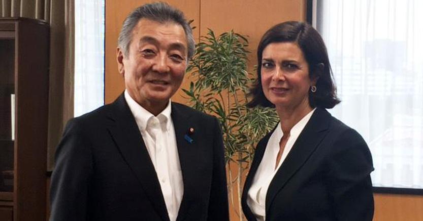 Laura Boldrini con Jun Matsumoto, Ministro per la Gestione dei disastri naturali (Ansa)