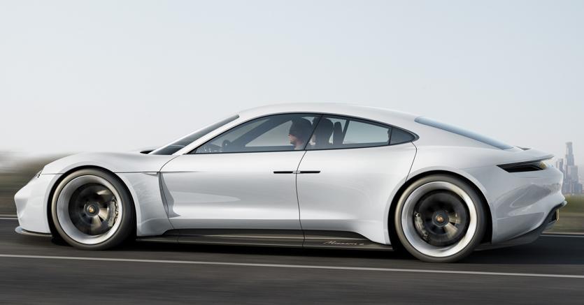 Daimler, vendite di Mercedes in crescita dell'11,8% ad agosto