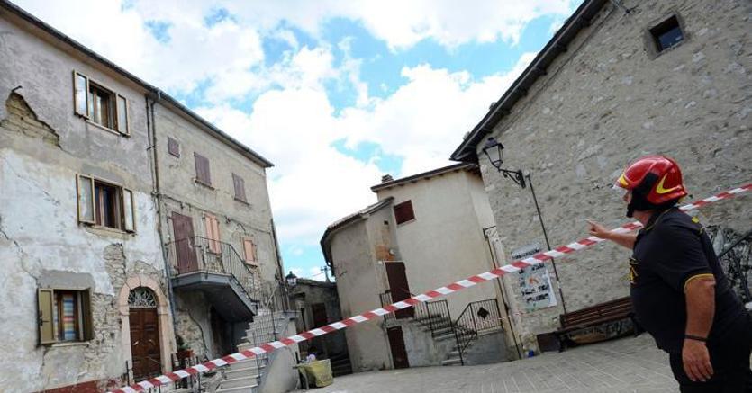 Terremoto al via consultazioni su casa italia renzi lavoro decennale no battaglie - Casa senza fondamenta terremoto ...