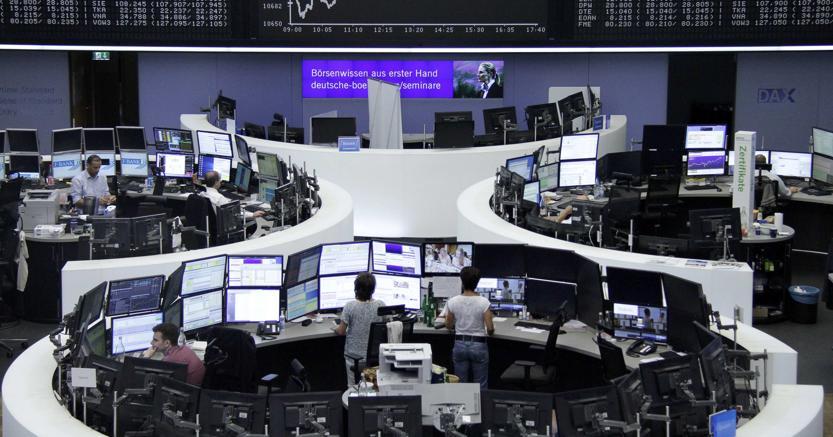 Borsa chiude in netto calo -1,84%, giu' banche e Telecom