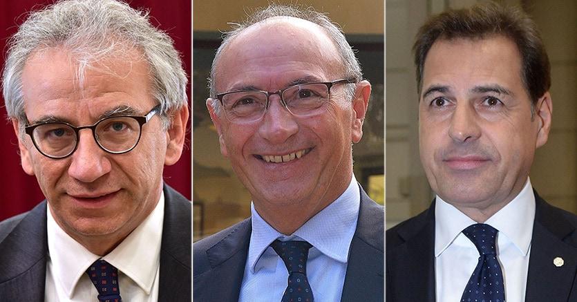 Da sinistra, Roberto Nicastro, dg UniCredit fino al 30 settembre 2015, Federico Ghizzoni, ad UniCredit, Samuele Sorato, ad e dg Banca popolare di Vicenza fino al 12 maggio 2015
