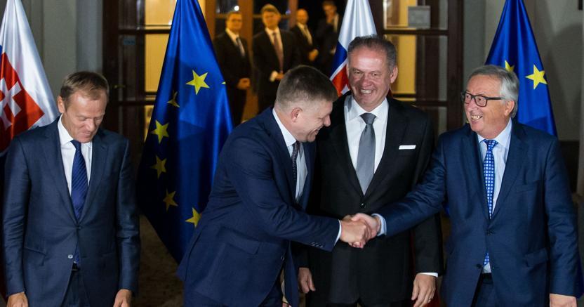 Ipresidente del Consiglio Ue Tusk, il premier slovacco Fico e il presidente Kiska, Il presidente della Commissione Juncker