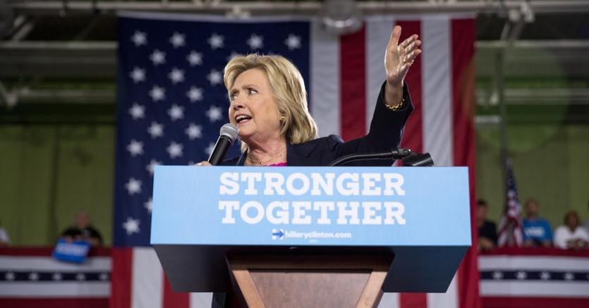 Usa 2016, Trump attacca Clinton: Sta in piedi più di un'ora?