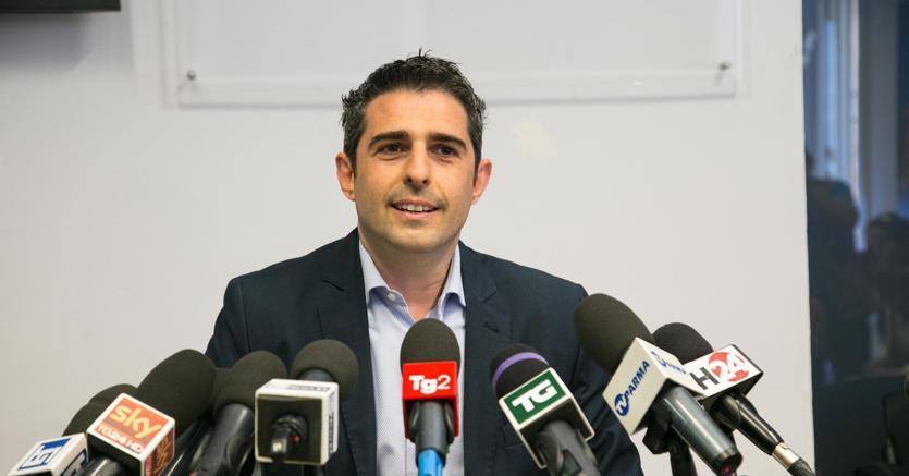 Parma: archiviato il procedimento contro Pizzarotti, Grillo lo riabilita?