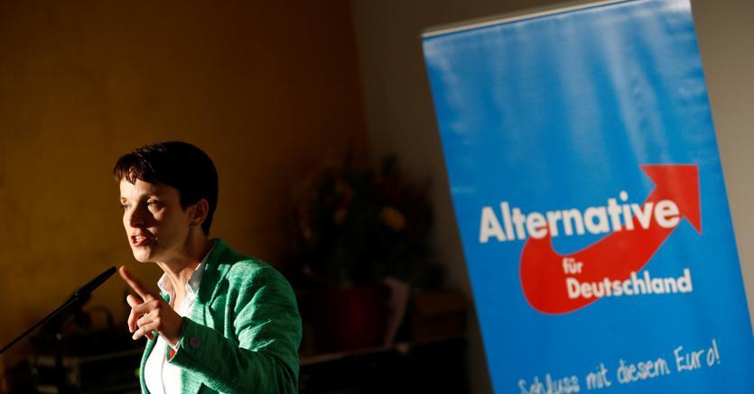 Frauke Petry a un comizio di Alternativa per la Germania a Berlino. (Reuters)
