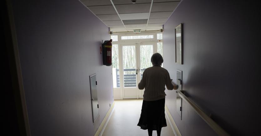 In Italia 600mila malati Alzheimer, 4 sintomi sottovalutati