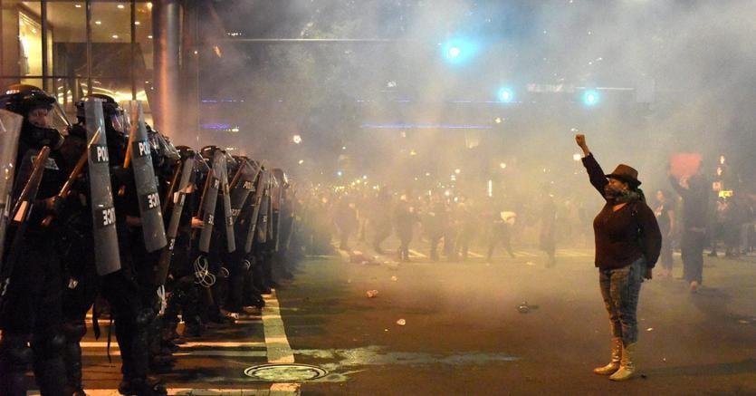 Charlotte, rivolta degli afroamericani: notte di scontri