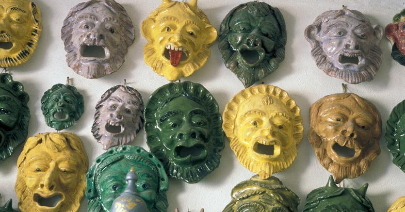 Amazon distribuir l artigianato della calabria il sole for Premiato piano casa artigiano