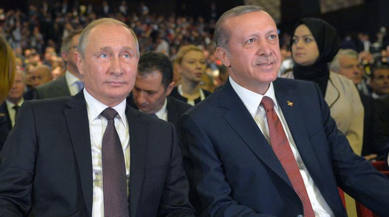 Petrolio, Putin: la Russia pronta a unirsi alla stretta dell'Opec sulla produzione