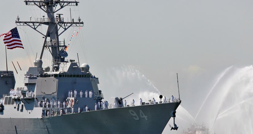 Yemen, nave da guerra Usa bombarda postazioni Houthi: