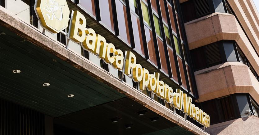 Banca Popolare di Vicenza, dipendenti in piazza: