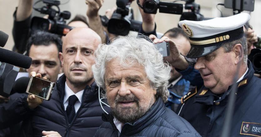Grillo a Renzi, non nasconderti e vieni