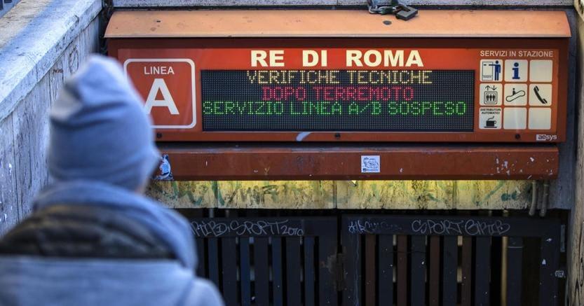 Paura a Roma per terremoto che colpisce Norcia. Crolli nelle Marche