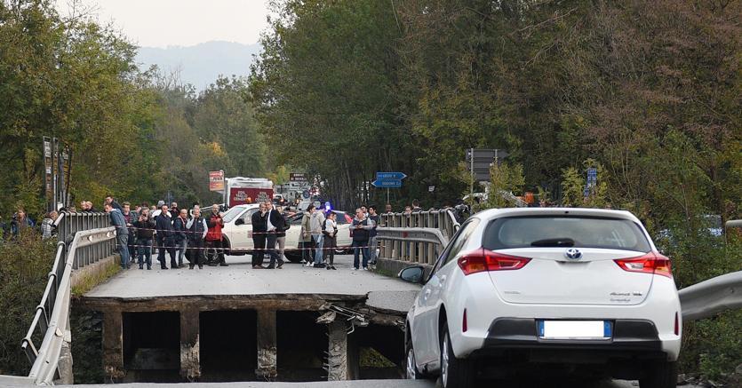 Crollo cavalcavia a Lecco, indagati tre ingegneri di Anas e Provincia