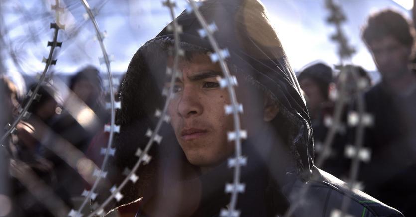 Un immigrato afghano fermato a Gevgelija, al confine tra Grecia e Macedonia