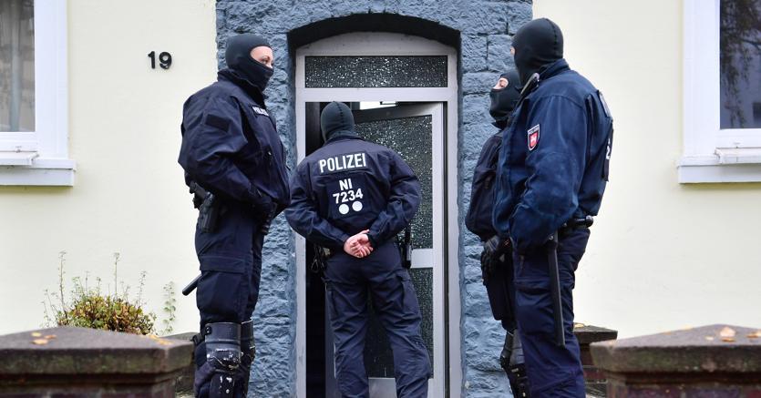 Isis, blitz polizia in Germania: arrestati 5 sospetti reclutatori