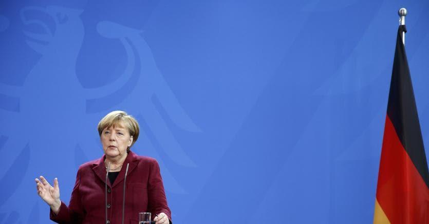 Merkel: mi ricandido per difendere i valori democratici contro il populismo
