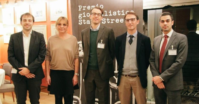 Simone Filippetti (al centro)