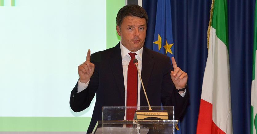 L'annuncio di Renzi: in arrivo 30-50 euro per le pensioni più basse
