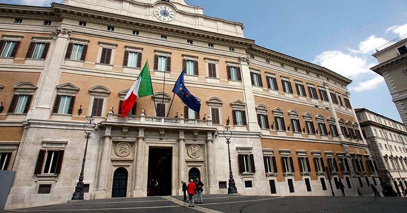 Manovra e legge elettorale i primi nodi del dopo renzi for Diretta camera deputati