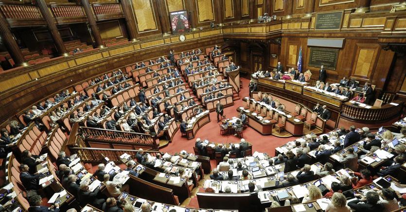 Manovra blindata oggi voto di fiducia al senato manovra for Discussione al senato oggi