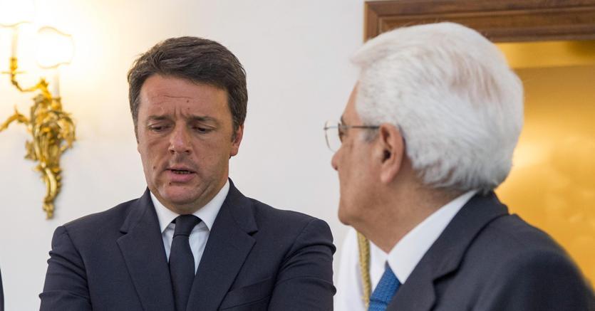 Matteo Renzi, presidente del Consiglio, e Sergio Mattarella, presidente della Repubblica (Ansa)