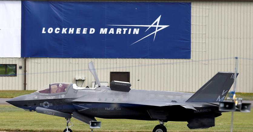 Trump vuole tagliare gli F-35 Costi fuori controllo, risparmi su acquisti militari