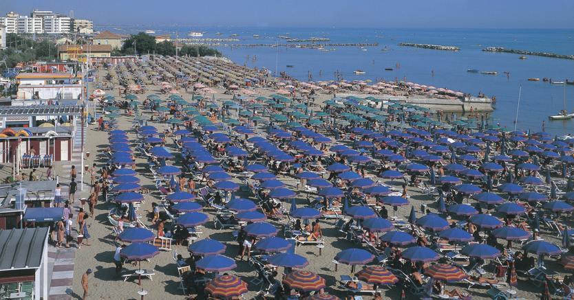 Una spiaggia della riviera romagnola. (Marka)