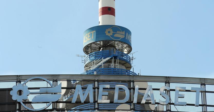 Vivendi avanti tutta su Mediaset. Fininvest prepara la strategia di difesa