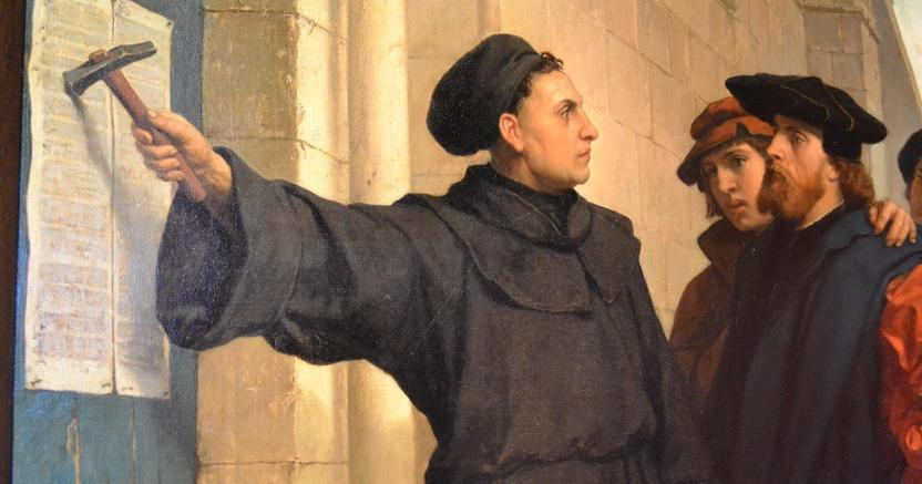 Martin Lutero pubblica le 95 tesi contro il commercio delle indulgenze e la mondanità della Chiesa