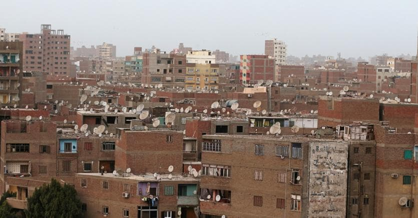 In Egitto camion kamikaze contro un posto di blocco: 9 poliziotti uccisi