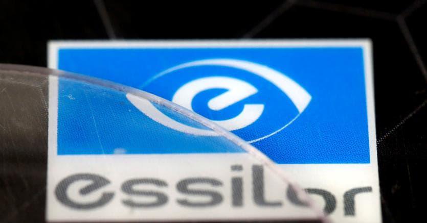 Luxottica, fusione con la francese Essilor: nasce un colosso da 50 miliardi