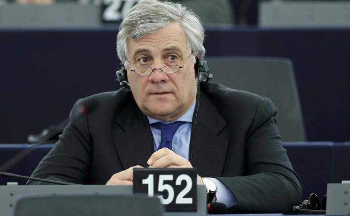 Parlamento Ue: oggi il passaggio di consegne Schulz-Tajani