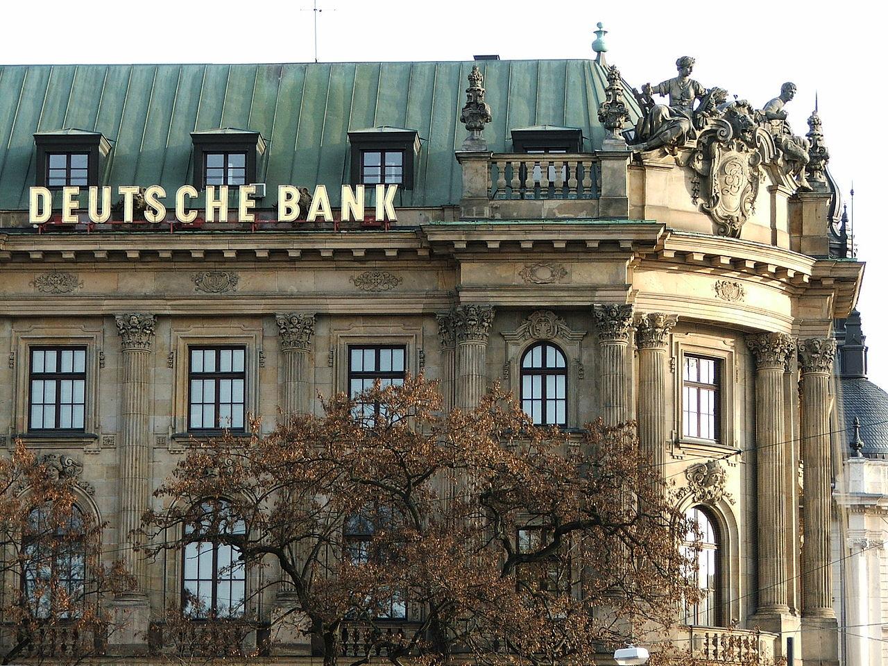 Nel 2016 per Deutsche bank perdita netta di 1,6 miliardi
