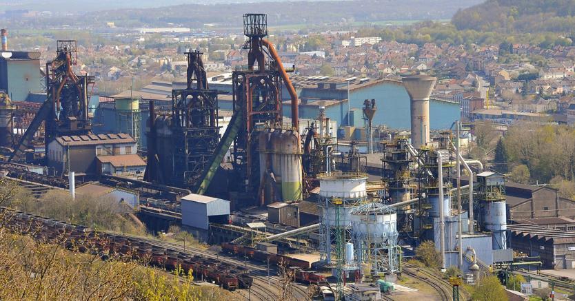 Uno stabilimento ArcelorMittal in Francia (Ansa)