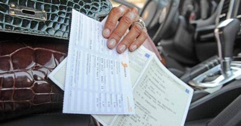 Auto: certificato di proprietà e libretto in un unico documento