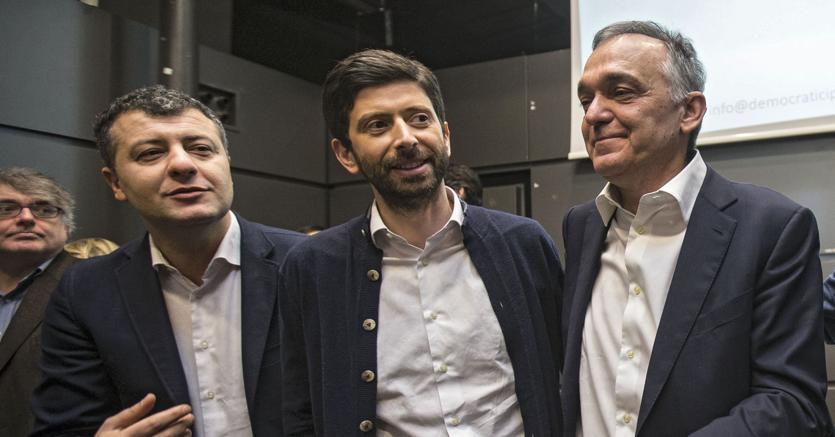 Da sinistra Arturo Scotto, Roberto Speranza, Enrico Rossi,  alla presentazione del movimento Democratici e Progressisti